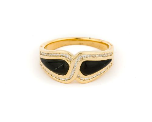 Alaska Black Petrified Wood Ladies Ring With White Diamond Interlacing Border